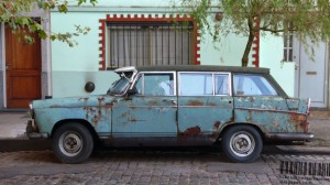 old_and_decrepit_jalopy_car_in_the_streets_of_buenos_aires_argentina