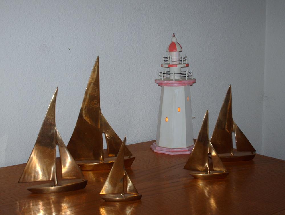 lighthouse lit 1000x